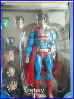 Brand new MEDICOM TOY MAFEX SUPERMAN HUSH Ver. Action Figure