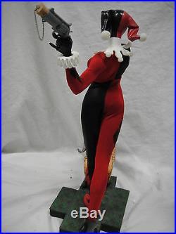 DC COMICS HARLEY QUINN 1/4 SCALE MUSEUM STATUE Figurine Joker Batman Bust Figure