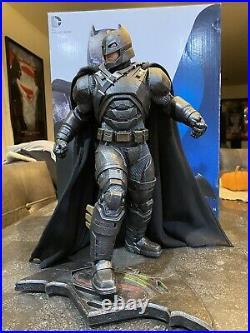 DC Collectibles Batman V Superman Dawn Of Justice Armored Batman Statue