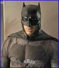 Prime 1 Studio BATMAN Statue 12 Scale Batman vs Superman Sideshow #567/1000