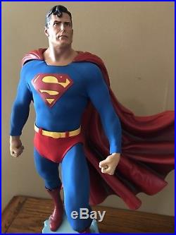 SOLD OUT! Sideshow Superman Premium Format Statue