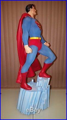 Sideshow Collectibles Superman Premium Format EXCLUSIVE 14 Scale Statue