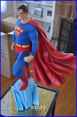 Sideshow SUPERMAN Premium Format Exclusive Statue NEVER DISPLAYED