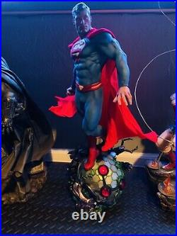 Superman Premium Format Figure by Sideshow Collectibles MINT