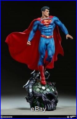 Superman Premium Format Statue Sideshow