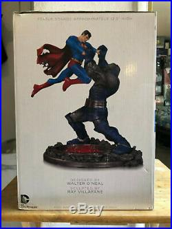 Superman Vs Darkseid Statue 2nd Edition Classic Confrontations DC Comics