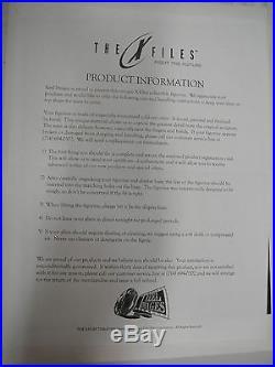 The X-FILES FIGHT FUTURE ALIEN STATUE Maquette NIB! FOX MULDER Danna Scully