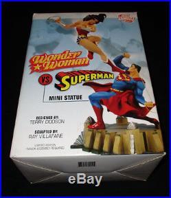 Wonder Woman Vs Superman Mini Porcelian Statue DC Direct Limited Edition & Box